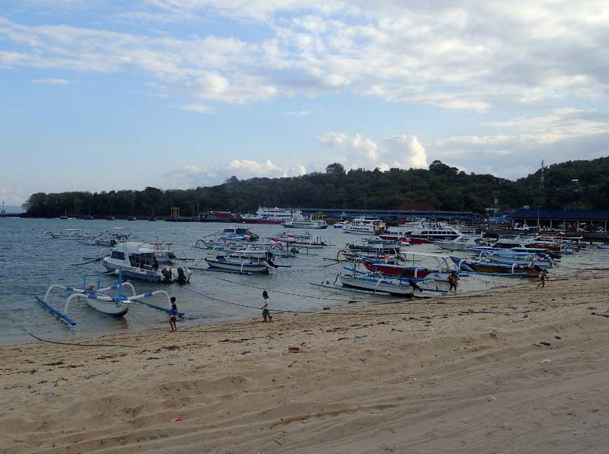 Padangbai plage